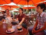 Vợ Hùng, vợ Minh và con trai đầu của Hùng