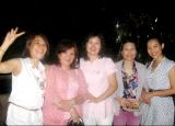 Cô giáo Nguyên Hạ và học trò cũ